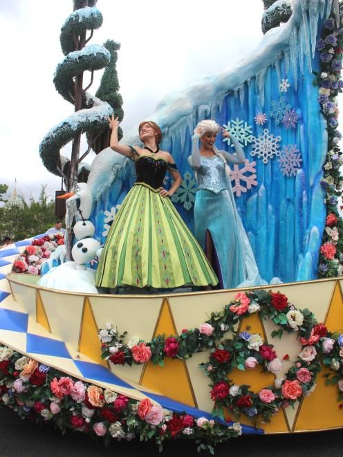 festival-of-fantasy-parade-disney-magic-kingdom